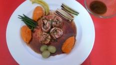 Conejo en su jugo con verduras,uvas y quenelle de boniato con membrillo