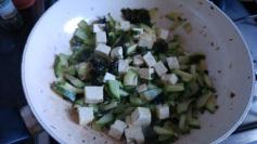 calabacín salteado con tofu y algas