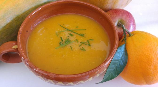Crema de calabaza con manzana y naranja