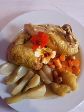 Pollo estofado a la sidra con bulbo de hinojo